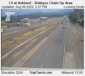 RoadCam - I-5 at Ashland - Siskiyou Chain Up Area N