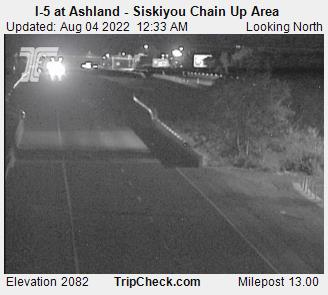 RoadCam - I-5 at Ashland - Siskiyou Chain Up Area S