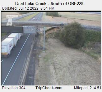 RoadCam - I-5 at Lake Creek - South of ORE228