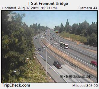 RoadCam - I-5 at Fremont Bridge