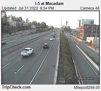RoadCam - I-5 at Macadam